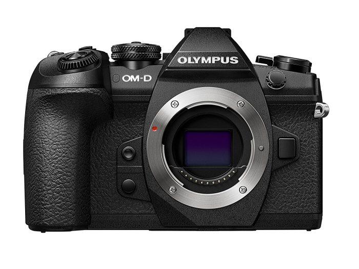 Best Camera for Shooting Video: Panasonic Lumix 4K G85 Mirrorless Camera: Olympus OM-D E-M1 Mark II