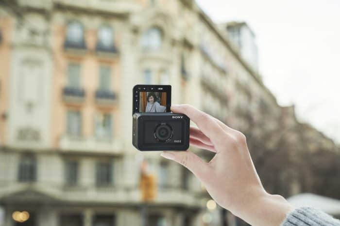 Sony RX0 II vlogger selfie GoPro competitor