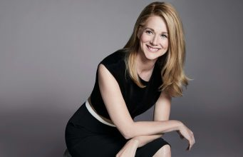 Join us for a very special onstage tribute and conversation with acclaimed actor Laura Linney, in which she will go in-depth on her career and process.