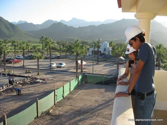 Agua Viva tower with Loni and Jesus inspecting