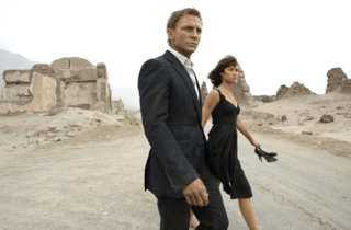 Daniel Craig James Bond Quantum of Solace Stylish in the Desert
