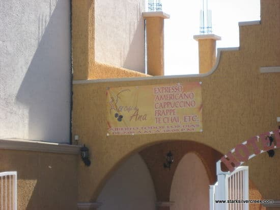 Storefronts-of-Loreto-7