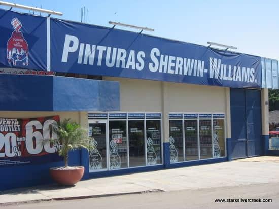 Storefronts-of-Loreto-5